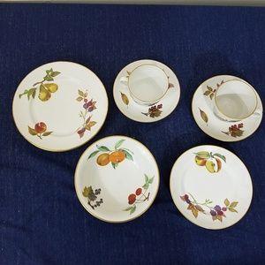 Royal Worcester Evesham Fine Porcelain C1961